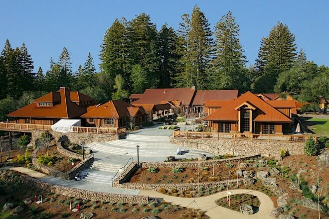 Photo of the Ratna Ling Retreat Center in California, USA